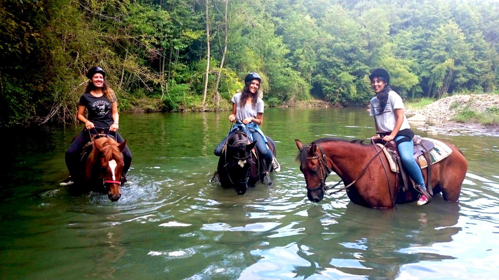 attraversamento torrente a cavallo