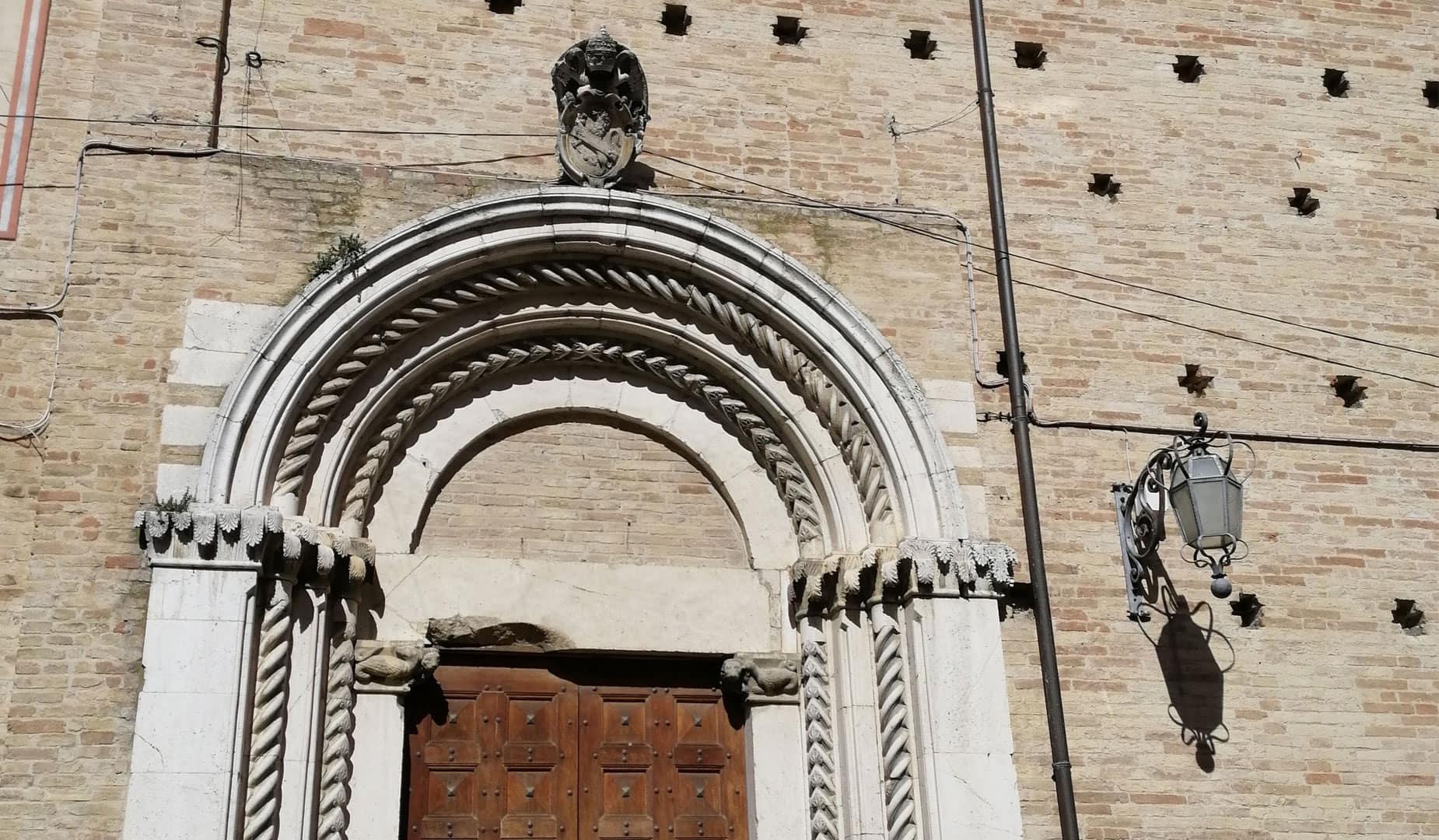 portale chiesa montegranaro