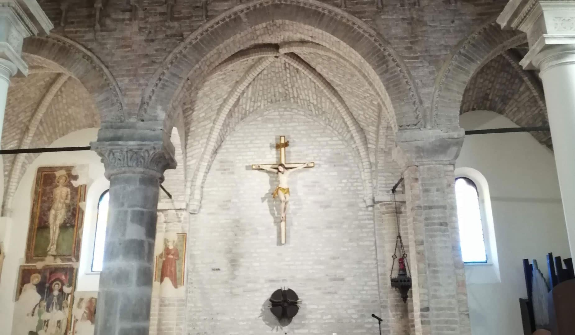 crocefisso chiesa torre di palme