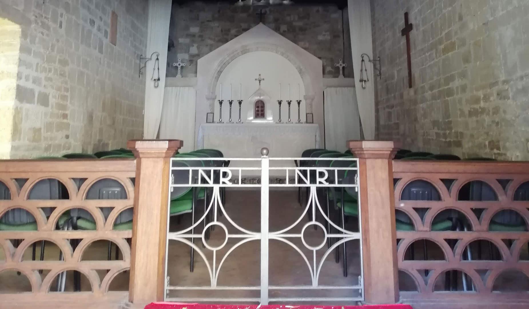 altare chiesa torre di palme
